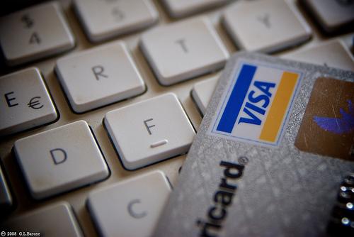 teclado com cartão de crédito, bandeira Visa - ecommerce