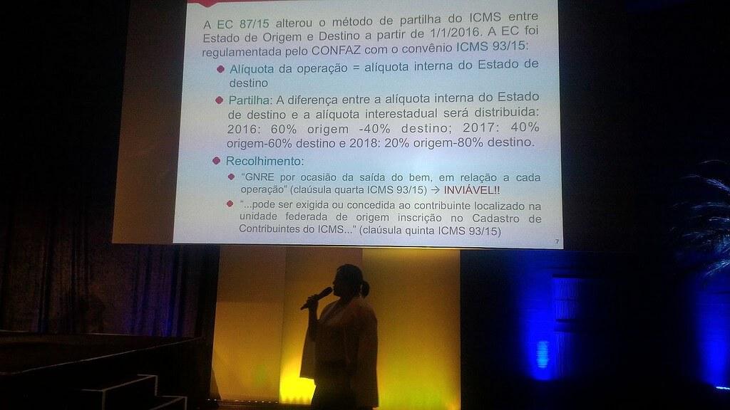 Vivianne Vilela no Congresso de Operações e Gestão do E-Commerce